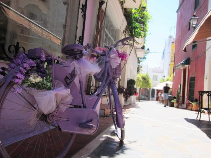 Den härliga cykeln i Gamla Stan Marbella